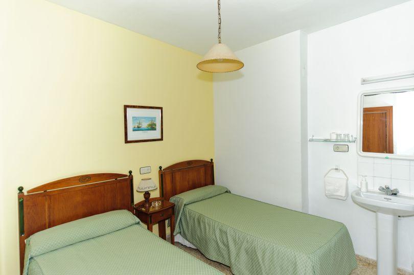 habitación 3 pensión gala sevilla